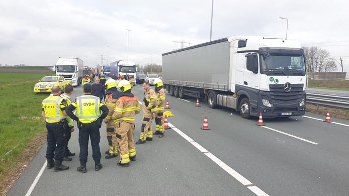 Op de A15 bij Herveld is een ongeval gebeurd.