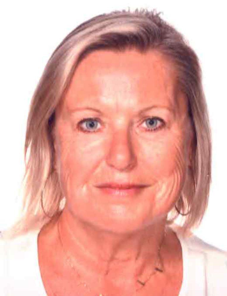 Marianne Van Den Bergh heeft halflang blond haar.