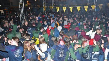 Roeselaarse '100 dagen' loopt uit de hand: 20 feestvierders lopen brandwonden op door bommetjes