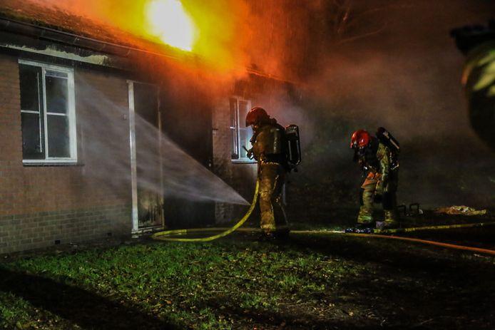 De brandweer rukte met groot materieel uit.
