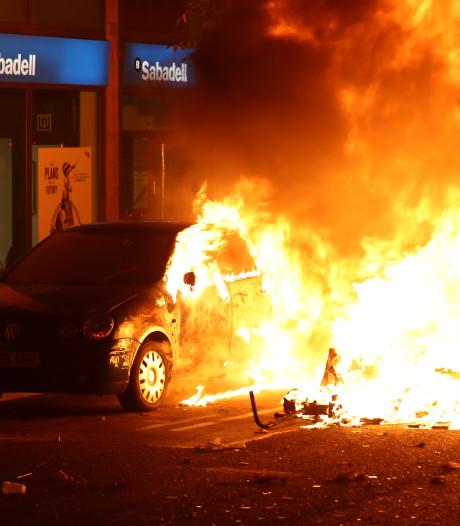 Weer rellen in Barcelona: meerdere auto's in brand gestoken
