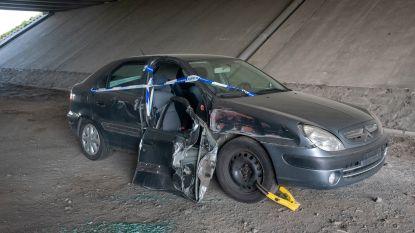 """Autowrak onder brug was betrokken bij aanrijding: """"Staande gehouden in afwachting van het onderzoek"""""""