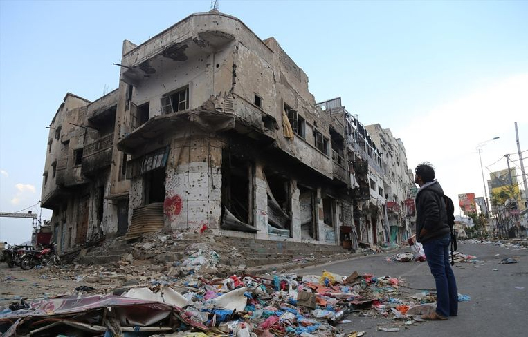 De stad Taez is verwoest door gevechten tussen Houthi-rebellen en de coalitie. Beeld afp