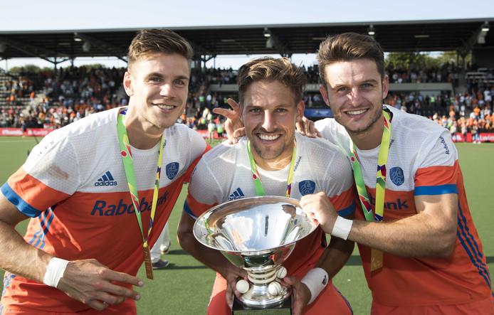 Sander de Wijn (l), Bjorn Kellerman en Robbert Kemperman vieren de Europese titel.