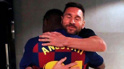 """""""Blij dat ze droom kunnen waarmaken"""": foto van Messi en Barça-debutant (16) gaat viraal"""