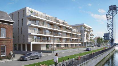 Oude kantoorgebouwen en nieuwe flats in project 'Kanaelzicht'