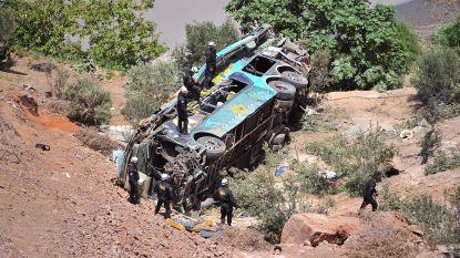 Bus stort in ravijn in Peru: 44 doden