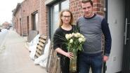 Voorzitster sp.a geeft bloemen aan slachtoffers ongeval