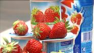 """Test-Aankoop onderzoekt yoghurt: """"Maar halve aardbei in potje"""""""