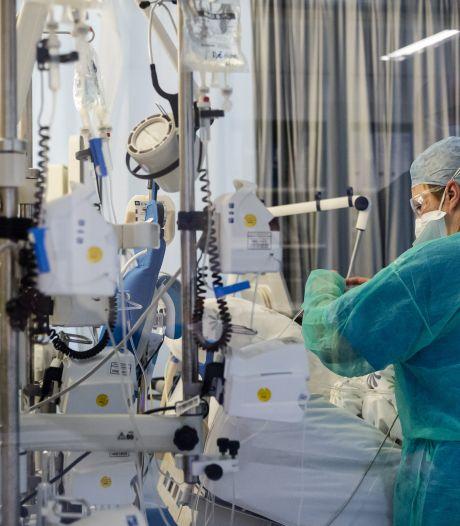 Ziekenhuizen bereiden zich voor op corona-piek: meer bedden, extra trainingen en oud-medewerkers gaan weer aan het werk