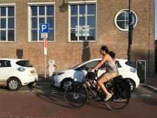 Utrecht krijgt als eerste superslimme laadpalen waar auto zowel kan op- als ontladen