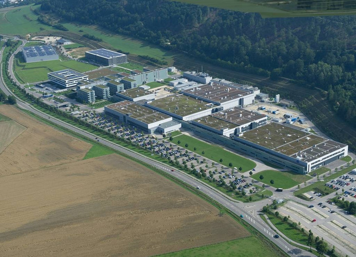 Carl Zeiss SMT in Oberkochen vanuit de lucht gezien.