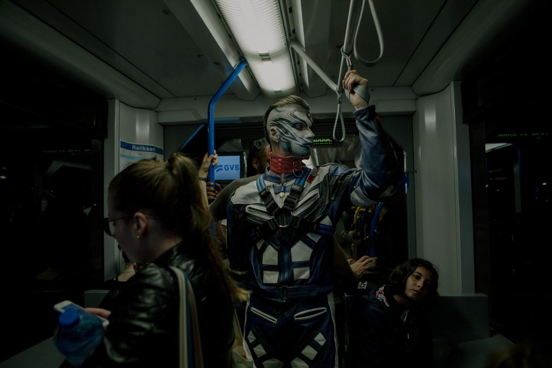 ChelseaBoy in de tram.