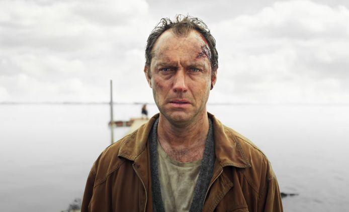"""Jude Law a confié que le tournage de la série The Third Day était """"un marathon émotionnel épuisant qui m'a presque tué""""."""