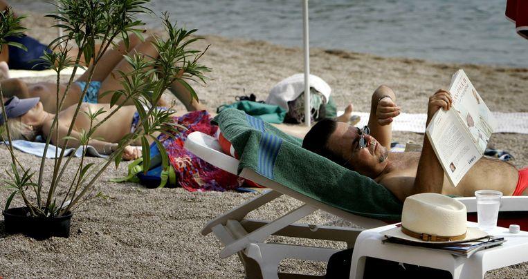 Vakantie vieren op een strand in Frankrijk. Beeld Hollandse Hoogte /  ANP