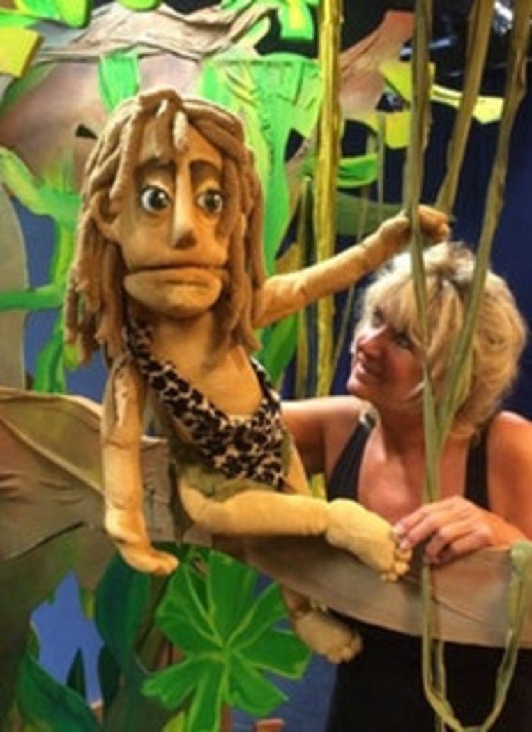 Ila van der Pouw met Tarzan.