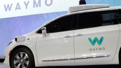 Google stuurt zelfrijdende auto zonder bestuurder openbare weg op