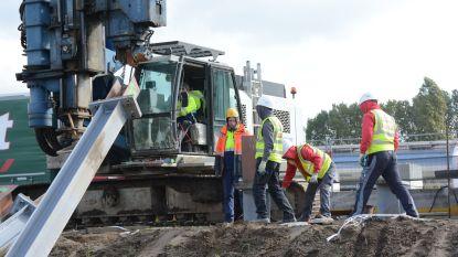 """Oosterweelwerf stilgelegd: """"Oost-Europese arbeiders willen naar huis nu het nog mogelijk is"""""""