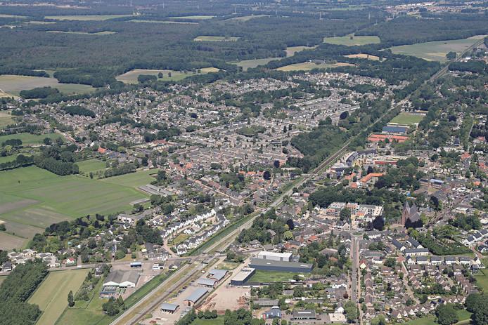 Heeze. De randweg in de wijk de Nieuwe Hoeven (links op de foto) moet volgend jaar klaar zijn.