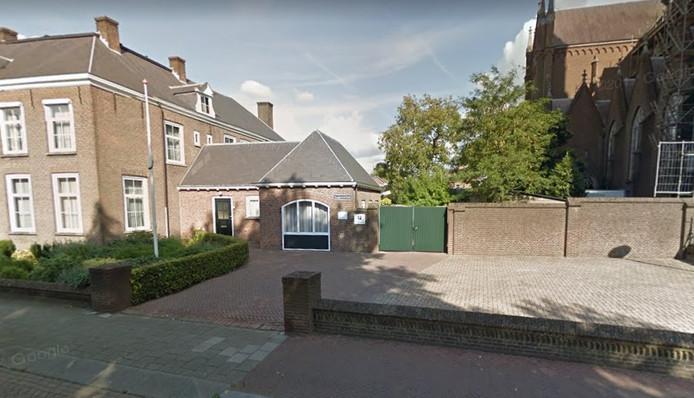 De voormalige garage van de pastorie aan de Begijnenstraat in Oss.