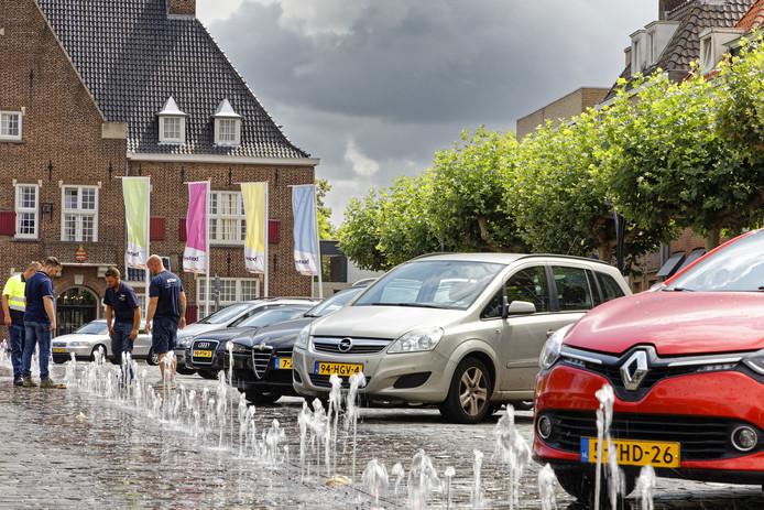 Parkeren, van zowel fietsen als auto's, is nog altijd een veel besproken onderwerp in Boxtel. Dat was al meteen na de herinrichting van de Markt zo en dat is met de discussie over Boxtel Binnen de Bruggen niet anders
