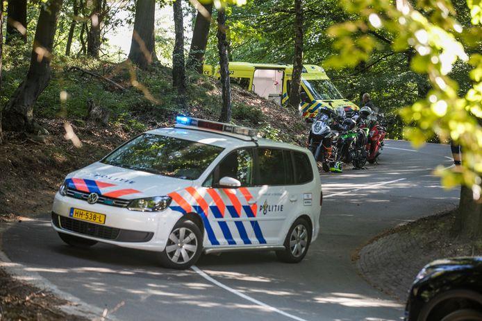 Een motorrijder raakte zwaar gewond in Velp.