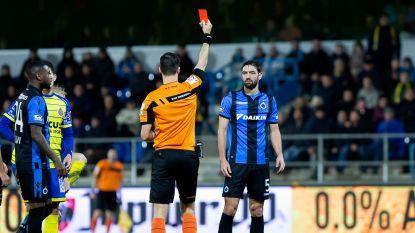 VIDEO. Rood voor Poulain en strafschop na onorthodoxe tussenkomst van Fransman