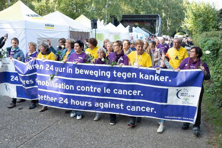 2.122 deelnemers liepen of wandelden 24 uur voor het goede doel.