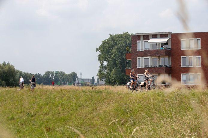Bewoners van woningen langs de Grebbedijk.