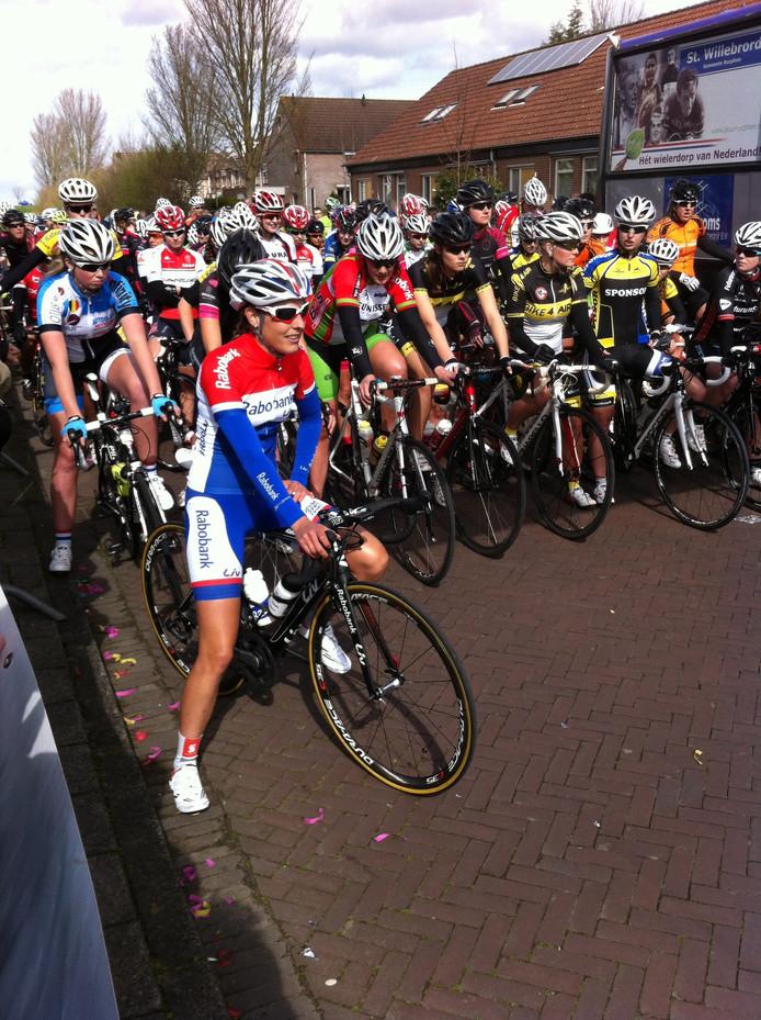 Nederlands kampioene Lucinda Brand stond ook aan de start in Oud-Vossemeer.
