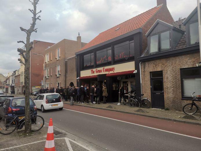 Coffeeshop The Grass Company aan de Piusstraat