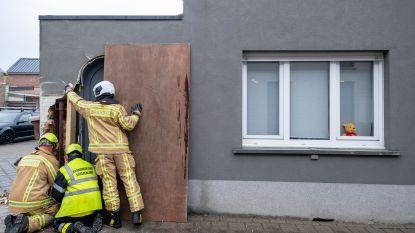 Vrachtwagen rijdt woning binnen, één dag later botst betonmixer tegen exact dezelfde gevel