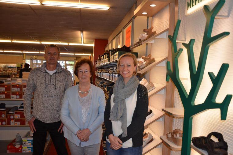 Frank, Rosemary en Heidi zetten deze zomer een punt achter schoenenzaak Marobel.