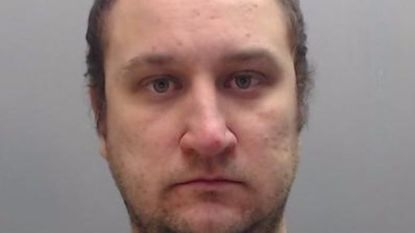 Britse politieagent bekent tientallen seksuele misdrijven op minderjarige meisjes: 25 jaar cel