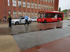 Gewonde na botsing tussen auto en bus in Hengelo