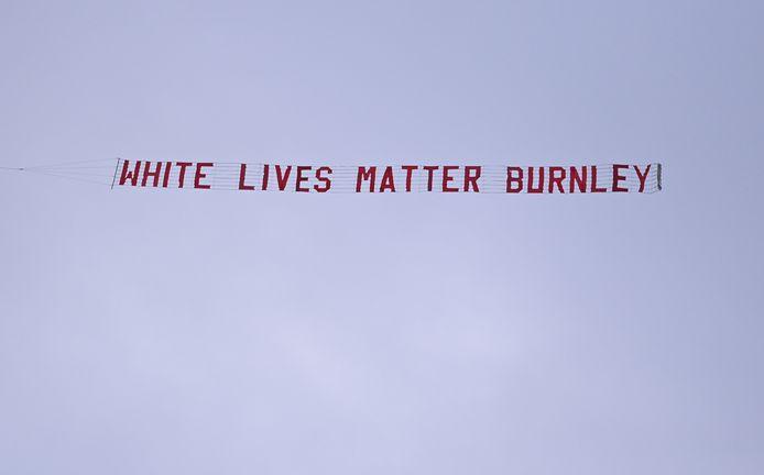 Het vliegtuigje met de banner .