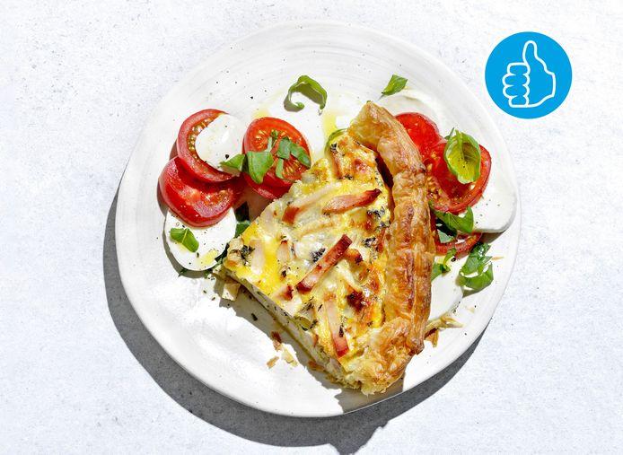 Italiaanse quiche met kip en salade caprese
