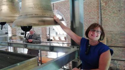 Ambassadeur van Ierland bezoekt Aarschotse klok die haar naam draagt