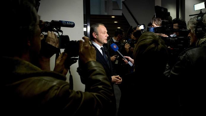 Archiefbeeld waarop Lenferink de pers te woord staat