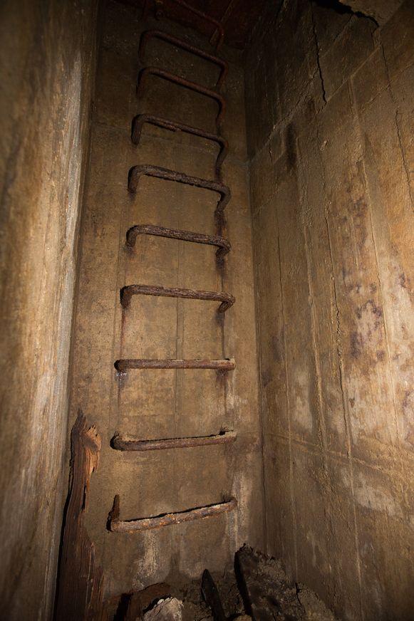 De toegang tot een van de schuilkelders.