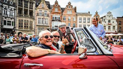 Meer dan 300 oldtimers zorgen voor bekijks op Grote Markt
