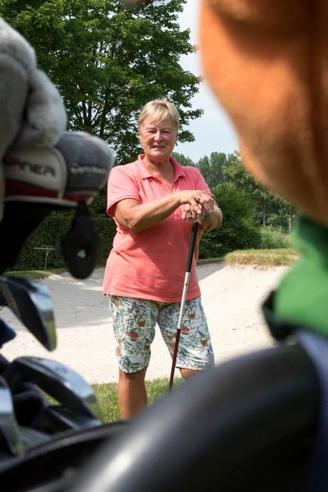 Geen geraniums, maar golf voor Joke Hehenkamp