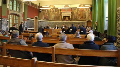 Oud-bankdirecteur moet zijn slachtoffers 783.000 euro betalen wegens oplichting, rechtbank stuurt hem ook 4 jaar naar de cel
