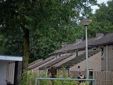 Compleet woningblok onbewoonbaar na blikseminslag in De Lutte