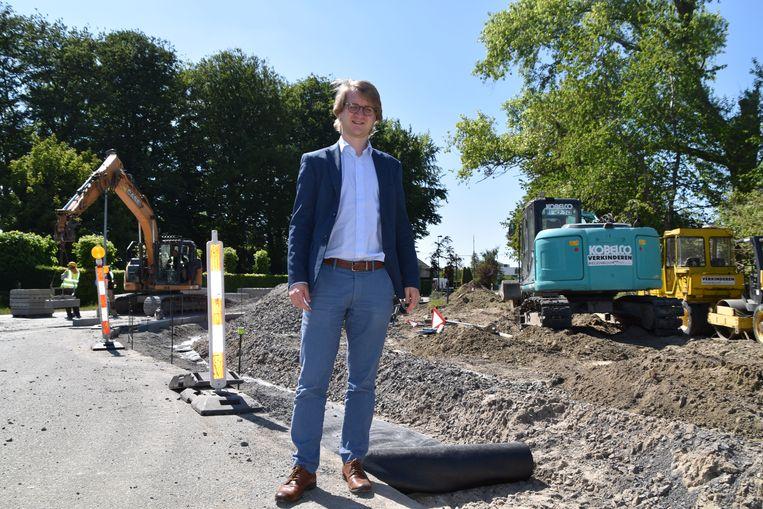 Vlaams parlementslid Brecht Warnez. In zijn thuisgemeente Wingene liepen de werken aan de Beernemsteenweg minstens vijf weken vertraging op.