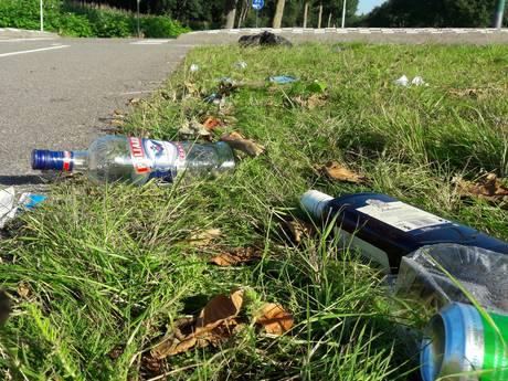 VIDEO: Bezoekers Decibel laten spoor van zwerfvuil achter bij Hilvarenbeek