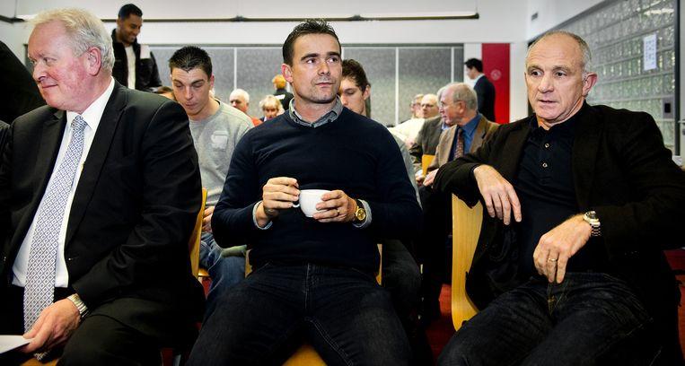 Directeur voetbalzaken Marc Overmars (m) en algemeen directeur Michael Kinsbergen (r). Beeld anp