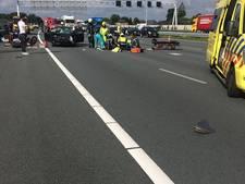 A50 dicht na ongeval met meerdere auto's en motor