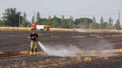 Vier hectare stro gaat in vlammen op