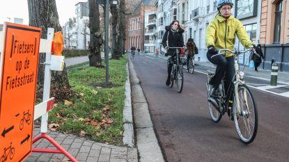 Gents MilieuFront wil van de hele binnenstad fietsstraat maken...maar Watteeuw houdt de boot af